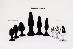 Plug options, showing two shapes of silicone plugs in three sizes each plus three sizes of steel plugs.