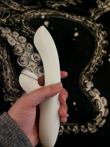 Satisfyer in hand