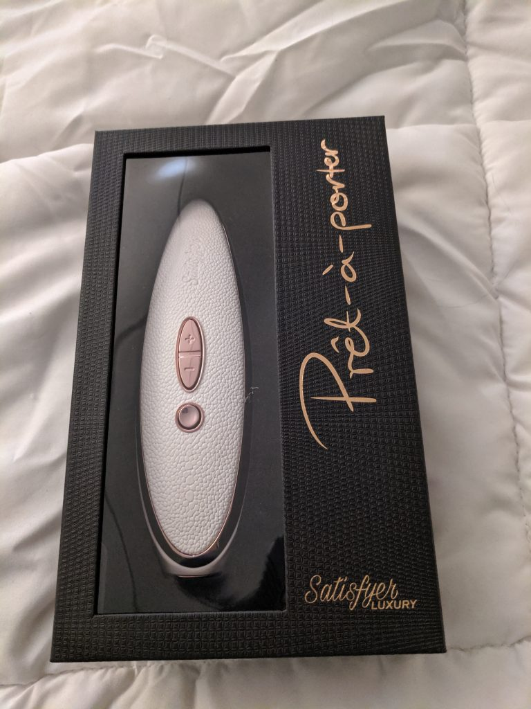 Satisfyer Pret-a-Porter in box