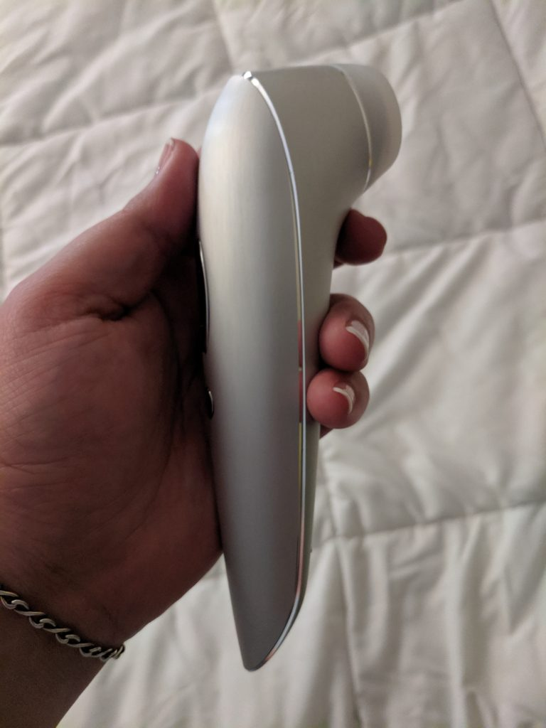 Satisfyer high fashion from the side